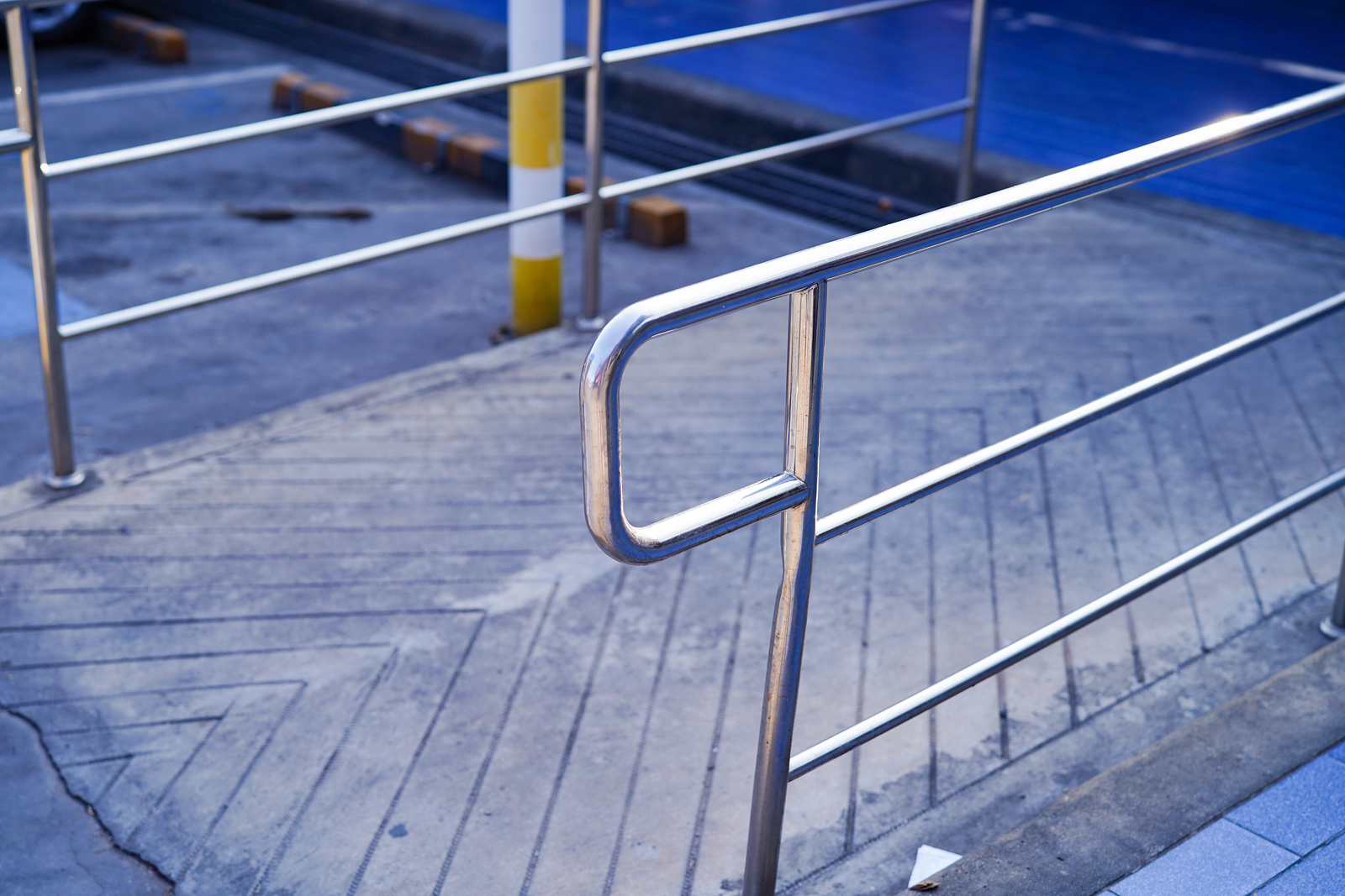 how wide is a wheelchair ramp